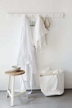 neutral white colors, stone floors, rustic table home decor interior design decoration image picture photo bedroom www. Mini Bad, Home Decoracion, Shades Of White, Shaker Style, Deco Design, White Houses, Simple House, Interiores Design, Entryway Decor