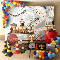 Trendy Birthday Decorations For Teens Simple Ideas 2nd Birthday Party For Boys, 2 Birthday, Race Car Birthday, Cars Birthday Parties, Birthday Party Decorations, Birthday Ideas, Festa Hot Wheels, Hot Wheels Party, Transportation Birthday