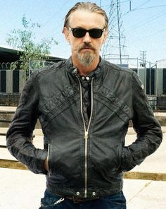 God, I love Chibs. Chibs cannot die! Everyone else is fair game but Chibs cannot die!