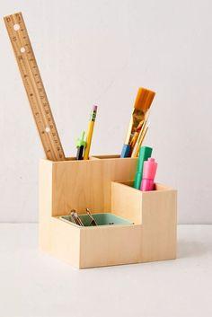 Diy Wood Desk, Diy Desk, Wooden Diy, Art Supplies Storage, Desk Supplies, School Supplies, Diy Magazine Holder, Wooden Desk Organizer, Desk Organization Diy
