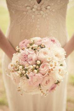joli bouquet mariée original avec roses