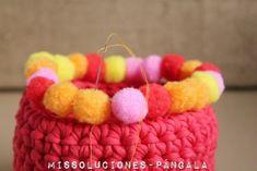 http://www.missoluciones-pangala.com/reinventando-el-trapillo-iii-ahora-con-pompones/