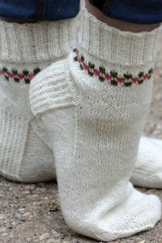 Pansy Path Socks Balls to the Walls Knits, A collection of free one- and two- skein knitting patterns