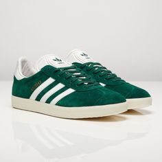 Green colorway is most classic. Great warm weather shoe althoug - Gazelle Adidas - Ideas of Gazelle Adidas - adidas Gazelle. Green colorway is most classic. Great warm weather shoe although limited versatility. Green Sneakers, Sneakers Mode, Green Shoes, Sneakers Fashion, Fashion Shoes, Adidas Sneakers, Green Addidas Shoes, Fashion Outfits, Tennis