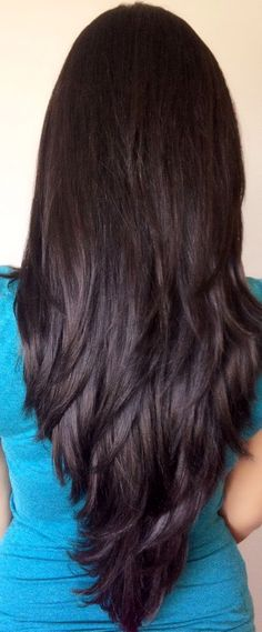 V-shaped Haircut Shoulder Length Best Hairstyle and Haircut Ideas Glamorous Hair. V-shaped Haircut Long Layered Haircuts, Round Face Haircuts, Straight Hairstyles, 70s Hairstyles, Simple Hairstyles, Step Cut Haircuts, Haircuts For Long Hair With Layers, Layered Hairstyles, Medium Hair Cuts