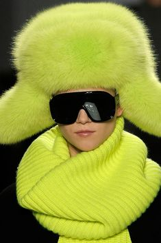 a64577c7590 Michael Kors Collection Fall 2009 Ready-to-Wear Accessories Photos - Vogue  Neon Scarf