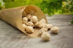 Lecker, schnell gemacht und super einfach. Die low carb Kokos-Macadamianüsse aus der Pfanne. In nur wenigen Schritten könnt ihr sie selber machen.