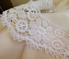 Antique Bobbin Lace Trim Linen Lace Handmade by marypearlsvintage