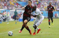Klose faz seu 21ª jogo e se torna o terceiro jogador com mais partidas