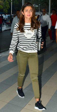 Farhan Akhtar, Sidharth Malhotra and Alia Bhatt spotted at Mumbai Airport! | Latest News & Gossip on Popular Trends at India.com