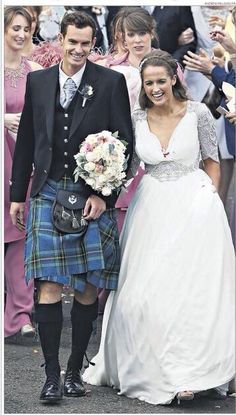 Thousands of well wishers cheered Andy Murray and Kim Sears as they married in Dunblane Scotland yesterday. 10/4/15