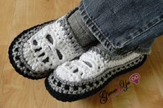 Ravelry: Glamour Skull Slipper Shoes - Men Sizes pattern by Glamour4You