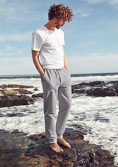 Odmień swój styl na lato. W tym sezonie stawiamy na komfort i klasykę. Zobacz więcej na https://www.tchibo.pl/klasyki-moda-meska-t400059289.html #tchibo #tchibopolska
