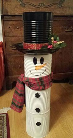 Outdoor Snowman Christmas Decorations - Christmas Celebration - All about Christ. Christmas Decor Diy Cheap, Snowman Christmas Decorations, Snowman Crafts, Outdoor Christmas, Homemade Christmas, Christmas Snowman, Diy Christmas Gifts, Simple Christmas, Holiday Crafts