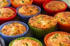 Gluten-Free Breakfast Muffins with Zucchini, Feta, and Quinoa -- This site has all sorts of gluten free quinoa recipes for all types of foods Ww Recipes, Greek Recipes, Gluten Free Recipes, Cooking Recipes, Dinner Recipes, Breakfast And Brunch, Breakfast Muffins, Breakfast Recipes, Quinoa Muffins