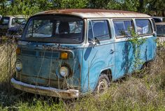 https://flic.kr/p/G61Uqm | The Old Abandoned VW Bus | The old VW Micro bus abandoned in a field in Oklahoma.