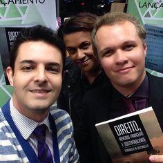 Prestigiando nosso amigo @bertoncello.fernando em seu primeiro livro #Direito #mercadofinanceiro e #sustentabilidade by ronaldoruiz.78 http://ift.tt/1WgZ7SP