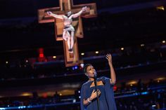 "Jennifer Hudson sings ""Hallelujah"" prior to a Mass to be celebrated by Pope Francis at Madison Square Garden on September 25, 2015"