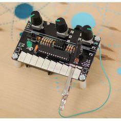 BLEEP LABS / Nebulophone自在の演奏スタイル!Arduinoベースのクリエイティブ電子楽器。ブリープラボの研究所でDr.BLEEPが開発した無限の可能性を秘めたスタイラスキーボードのシンセサイザーです。