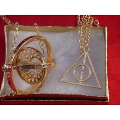 Check it out Potter Heads! Gold Deathly Hollows plus Time Turner Harry Potter Pendant necklaces Harry Potter Ring, Harry Potter Necklace, Harry Potter Items, Harry Potter Deathly Hallows, Emerald Jewelry, Copper Jewelry, Deathly Hallows Necklace, Time Turner, Ebay Watches