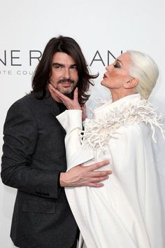 Stéphane Roland with his fetiche model, Carmen Dell'Orefice who's 80 years old...