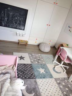 Kreatív kiegészítőkkel lesz inspiráló egy gyerekszoba | Lakásművészet Kids Rugs, Home Decor, Decoration Home, Kid Friendly Rugs, Room Decor, Home Interior Design, Home Decoration, Nursery Rugs, Interior Design