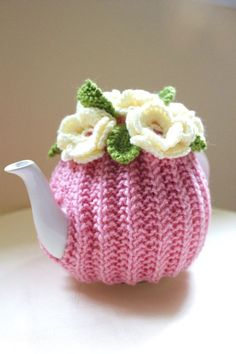 Tea Cosy for One-this pattern is for sale, but think I could re-produce it, using crochet flowers & leaves. Tea Cosy Knitting Pattern, Tea Cosy Pattern, Knitting Patterns, Crochet Patterns, Crochet Cozy, Crochet Crafts, Yarn Crafts, Free Crochet, Teapot Cover