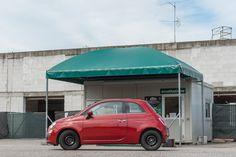 """Maggia Parking è il parcheggio per #Malpensa situato a due minuti dall'aeroporto, sorvegliato h 24 e interamente asfaltato. Il servizio """"Zero Passi"""" - la navetta gratuita preleva il Cliente dove ha parcheggiato - e il """"Coperto Chiavi in Mano"""" sono i vantaggi esclusivi del nostro parcheggio per Malpensa terminal 1 e 2. Servizio di parcheggio Malpensa terminal 1 e terminal 2 coperto e numerato. Scegli il parcheggio al coperto, porterai con te le chiavi dell'auto, senza costi aggiuntivi."""