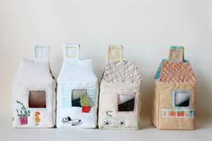 Housing for teeny tine softies by Matilde Beldroega Diy Gift Box, Diy Box, Diy And Crafts, Crafts For Kids, Baby Crafts, Cute Little Houses, Felt House, Fabric Houses, Creative Play