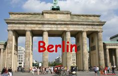 Short texts in German about many famous Berlin landmarks.