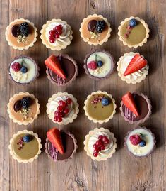 Tart Recipes, Sweet Recipes, Dessert Recipes, Mini Pastries, Bolo Cake, Cheese Tarts, Cake Business, Cute Desserts, Dessert Decoration