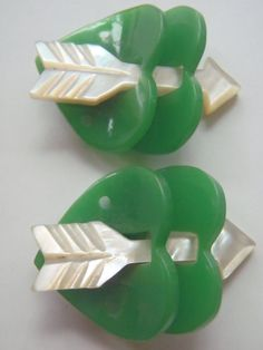 Vintage Green Bakelite and MOP Heart Buttons.