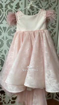 Kids Dress Clothes, Kids Dress Wear, Little Girl Dresses, Girls Dresses, Flower Girl Dresses, Kids Frocks Design, Baby Frocks Designs, Dress Anak, Baby Dress Design