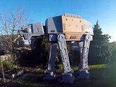 Tour this giant Star Wars AT-ACT playhouse! Colin Furze, At At Walker, Star Wars Crafts, Giant Star, Star Wars Collection, Play Houses, Rogues, Marina Bay Sands, Acting