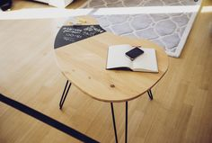 HOLDIS Note- small table in a simple shape Unique Coffee Table, Coffe Table, Coffee Table Design, A Table, Small Tables, Simple Shapes, Wooden Tables, Custom Design, Chalkboard Table