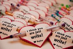 Just Write Valentine: Bits of Everything's Just Write valentines are perfect for school! What teacher wouldn't want to see more writing utensils in the classroom? Source: Bits of Everything