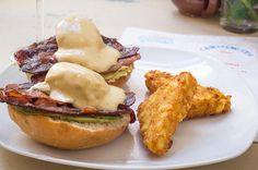 Si os perdisteis el #brunch este finde no esperéis para reservar para el que viene!! #carmencitabar #hashbrowns #eggsbenedict #bacon #foodie #malasañamola #condeduquegente #madrid by carmencita.bar