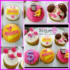Caja personalizada pinksugar #pinksugar #cupcakes  #homemade  #casero  #barranquilla #pasteleria #reposteriacreativa #tortas #fondant #reposteriabarranquilla #happybirthday  #cake #baking  #galletas #cookies  #pinksugar #wedding #buttercream #vainilla #minion #oreo #passionfruit #cupcakesbarranquilla #brownie