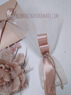 Μπομπονιέρα γάμου - Τούλι με σατέν κορδέλες και κορδόνι - Bonboniera Handmade Napkin Rings, Home Decor, Interior Design, Home Interior Design, Napkin Holders, Home Decoration, Decoration Home, Interior Decorating