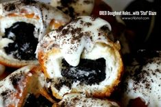 Oreo-Stuffed Donut Holes with Oreo Frosting - Neatorama (fried doughnut recipe krispy kreme) Köstliche Desserts, Delicious Desserts, Dessert Recipes, Yummy Food, Pastry Recipes, Cookie Recipes, Fried Doughnut Recipe, Oreo Donuts, Oreo Cookies