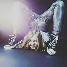 Hannah Montana, Youtubers, Bari, My Favorite Things, Celebrities, Idol, Puppies, Color, Celebs