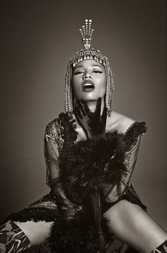 Nicki Minaj photographed by Francesco Carrozzini, Vogue Italia December 2014