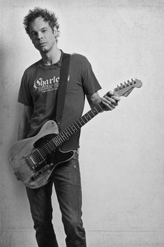 Ian Thornley - Big Wreck by Richard Sibbald, via Behance Better Music, Music Bands, Cool Bands, Rap, Blues, Punk, Pure Products, Sexy, Behance