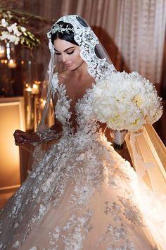 The biggest wedding dress trends of 2017 revealed - Welt der Hochzeit Big Wedding Dresses, Wedding Dress Trends, Bridal Dresses, Stunning Wedding Dresses, Elegant Wedding, Wedding Goals, Wedding Day, Wedding Bride, Bride Groom