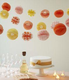 faschingsdeko party zu hause girlanden muffinfoermchen orange gelb