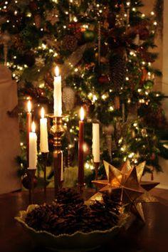 Christmas Photo, Noel Christmas, Merry Little Christmas, Christmas Candles, Winter Christmas, Christmas Lights, Christmas Crafts, Nordic Christmas, Modern Christmas