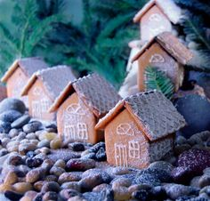 mini houses (well, even more mini than usual)