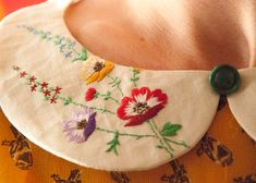embroidered peter pan collar - detachable collar - vintage reworked - one of a kind