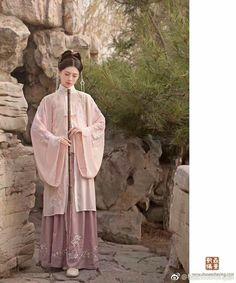 Chinese Traditional Costume, Traditional Fashion, Traditional Dresses, Chinese Theme, Chinese Style, China Girl, Chinese Clothing, Hanfu, Historical Clothing