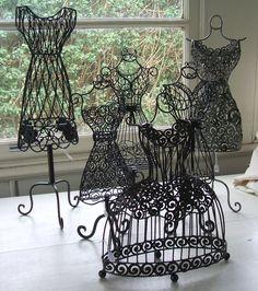 Mannequin Art, Dress Form Mannequin, Vintage Dresses, Nice Dresses, Vintage Dress Forms, Knitting Room, Manequin, Ballerina Party, Vintage Display